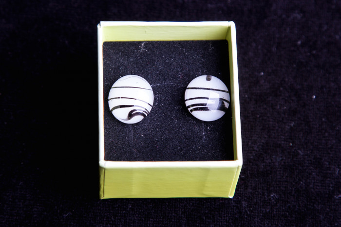 Wit/zwart ovaal glas - Lovendegem Online