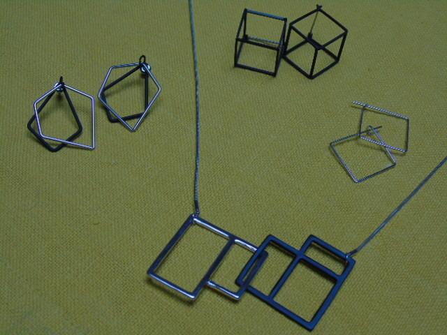 Zilverkleurig geometrisch zwart/zilverkleurig - Lovendegem Online