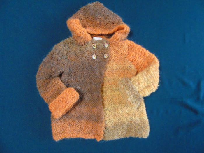Oranje melée vest met kap 4 jaar - Lovendegem Online